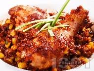 Рецепта Пържени пилешки бутчета по мексикански с царевица и домати